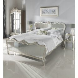 Kingsize mirrored bed