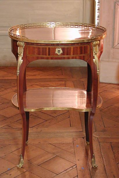Vandercruse antique polished table