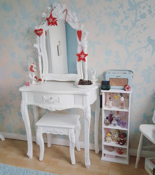 Customers decorated dressing table