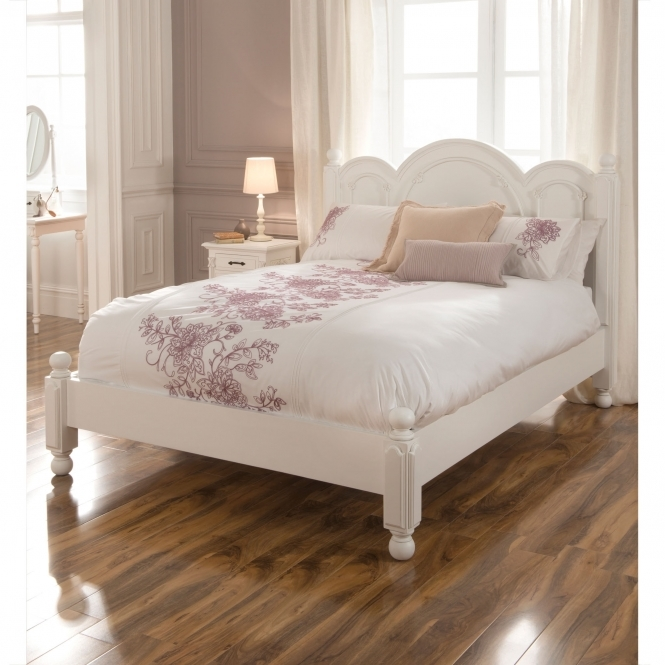 Victorian Style White Bed