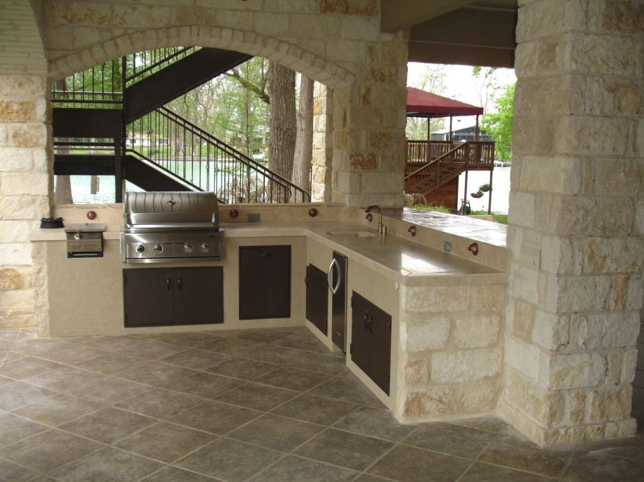Functional outdoor kitchen