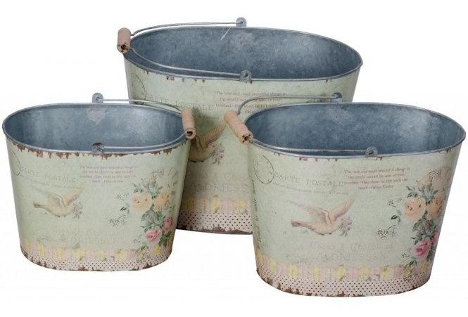 Shabby chic buckets