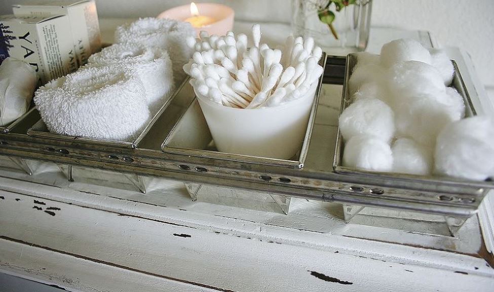 shabby chic accessories - cotton buds, white cloth, candles
