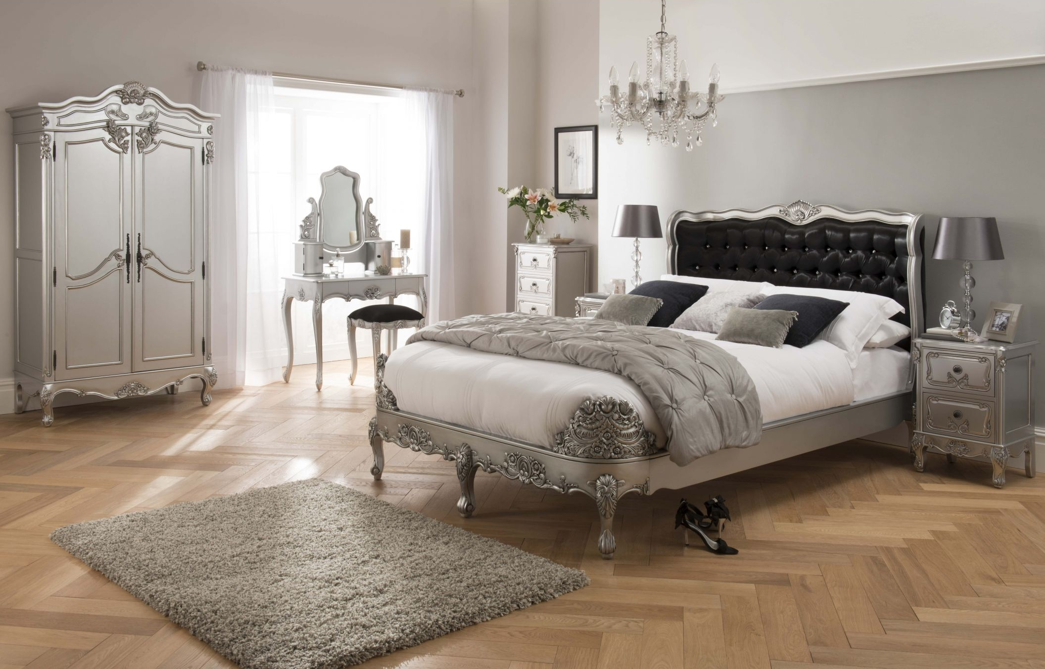 Bed from Silver Baroque collection