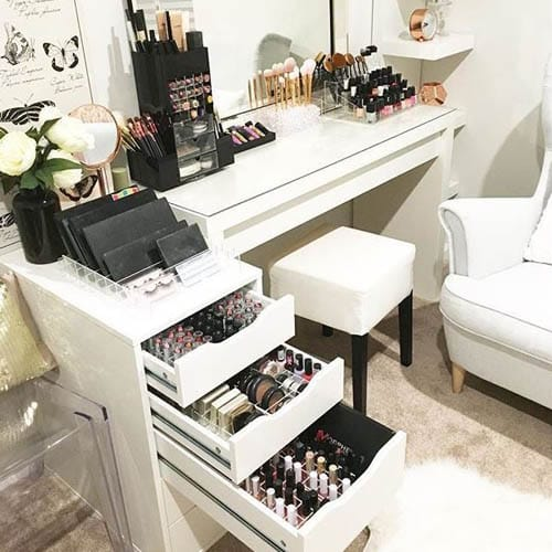 buy popular 845cb 9da4c Best Makeup Table and Makeup Table Set Up   Homes Direct 365 ...