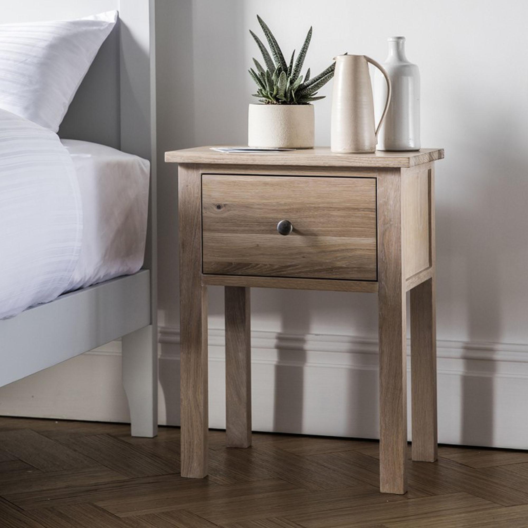 Banbury Oak Bedside Table | HomesDirect365