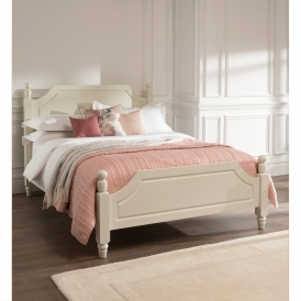 Brittany Shabby Chic Bed