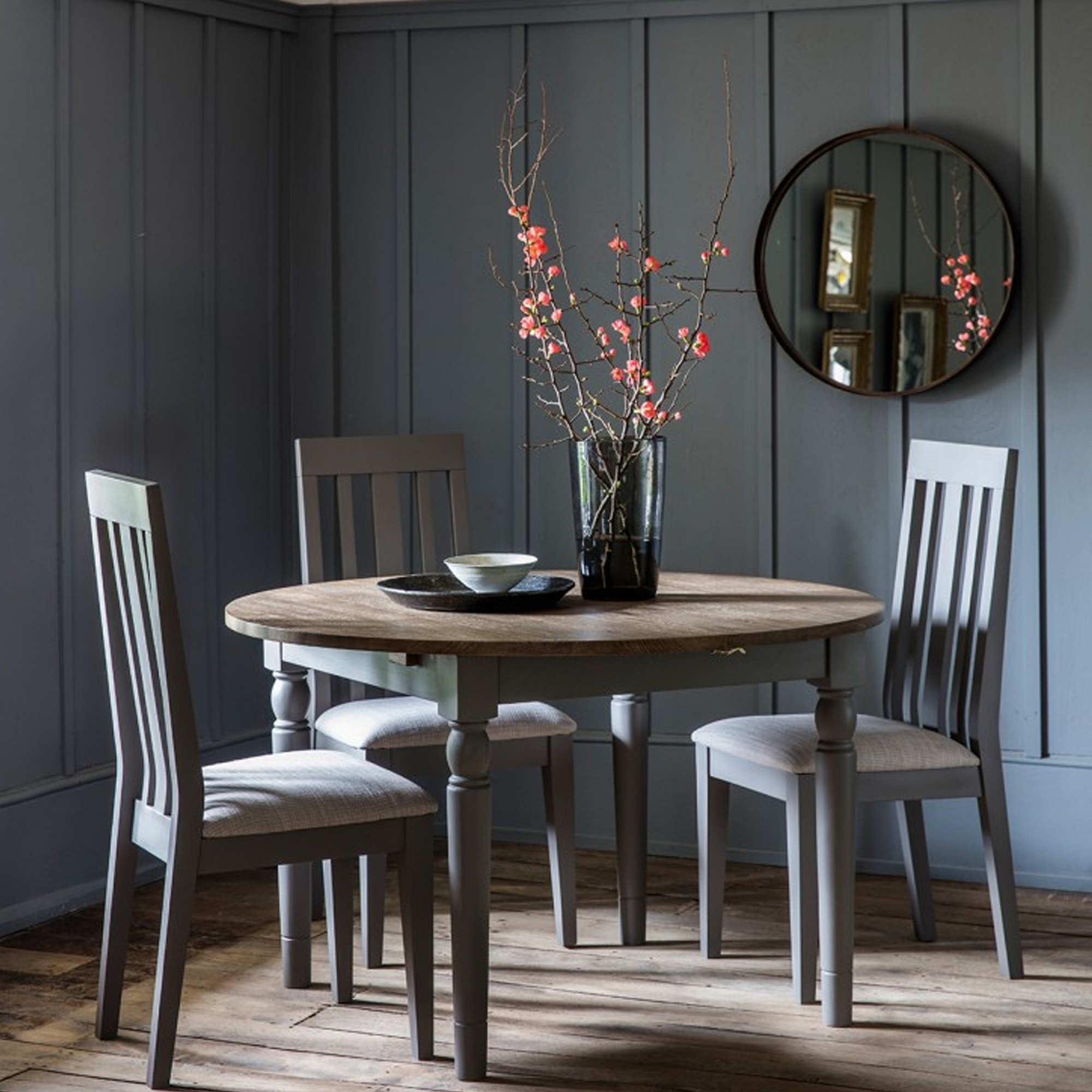 Picture of: Cookham Round Extending Dining Table Grey Extendable Dining Table Grey Dining Table