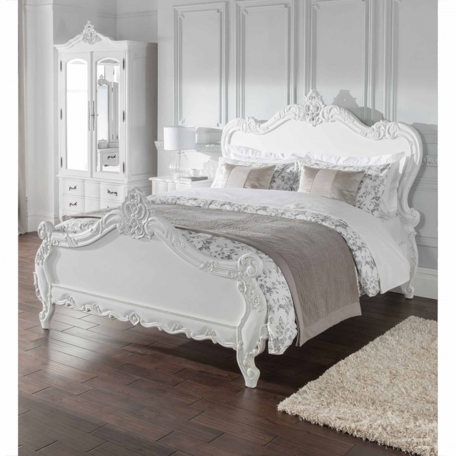 Antique french style bed for French country style beds