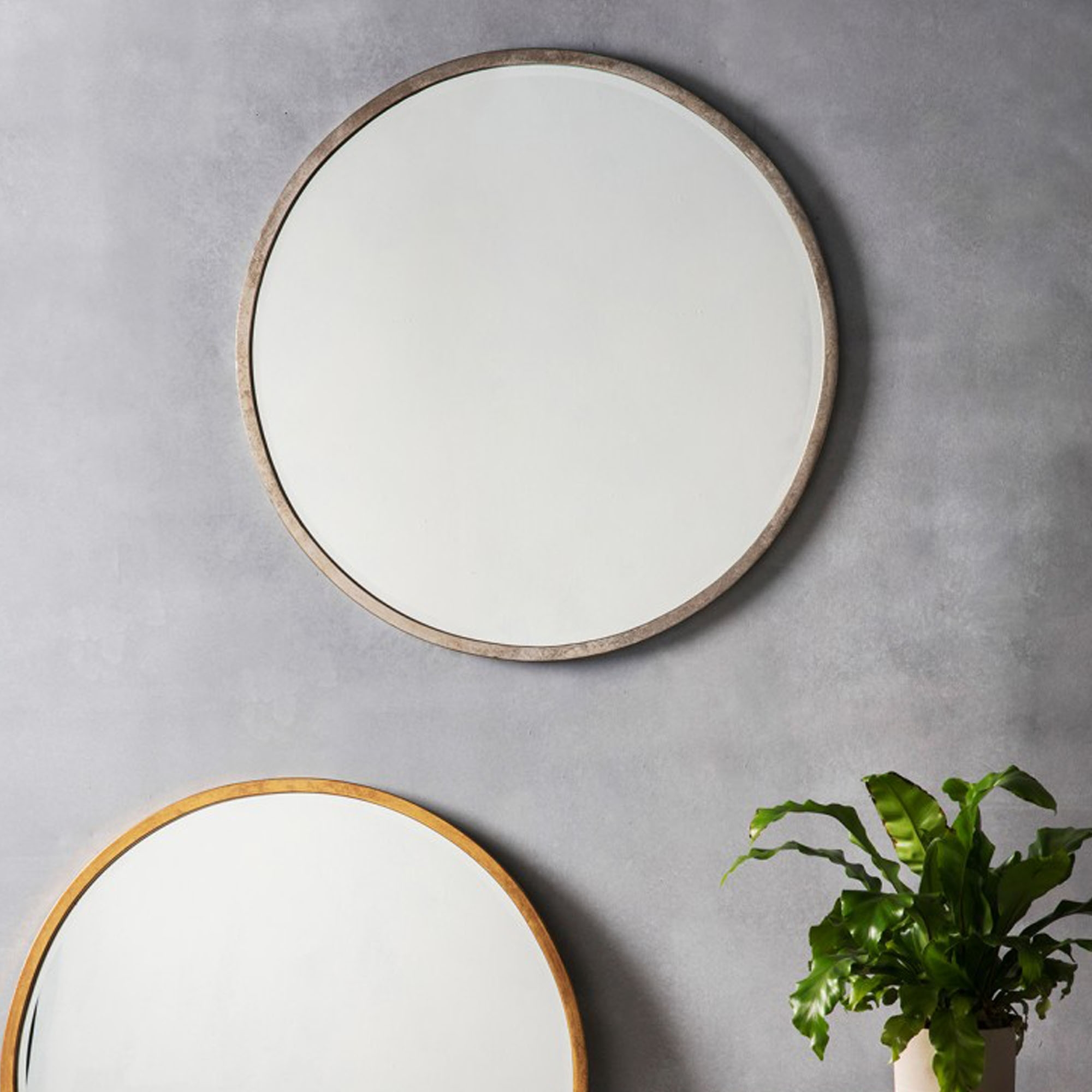 Higgins antique silver round wall mirror wall mirrors for Round silver wall mirror