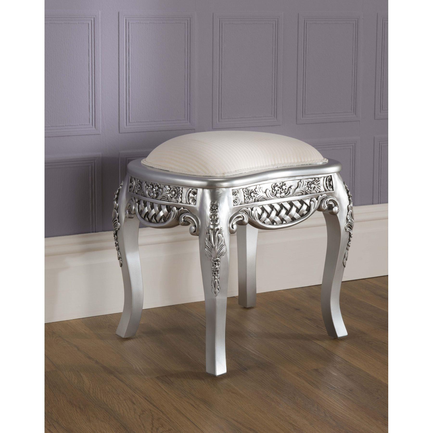 Antique bedroom furniture sets uk la rochelle antique french bed size king mattress bundle deal - La table basque la rochelle ...