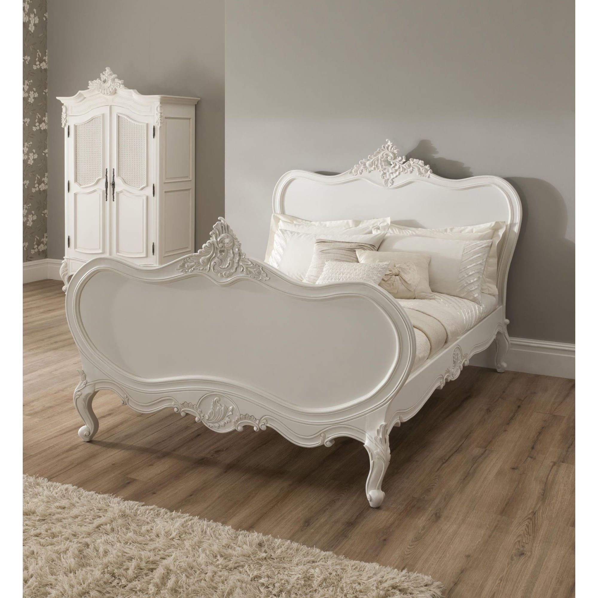 La rochelle antique french bed in a wonderful design and style for French style bedroom furniture