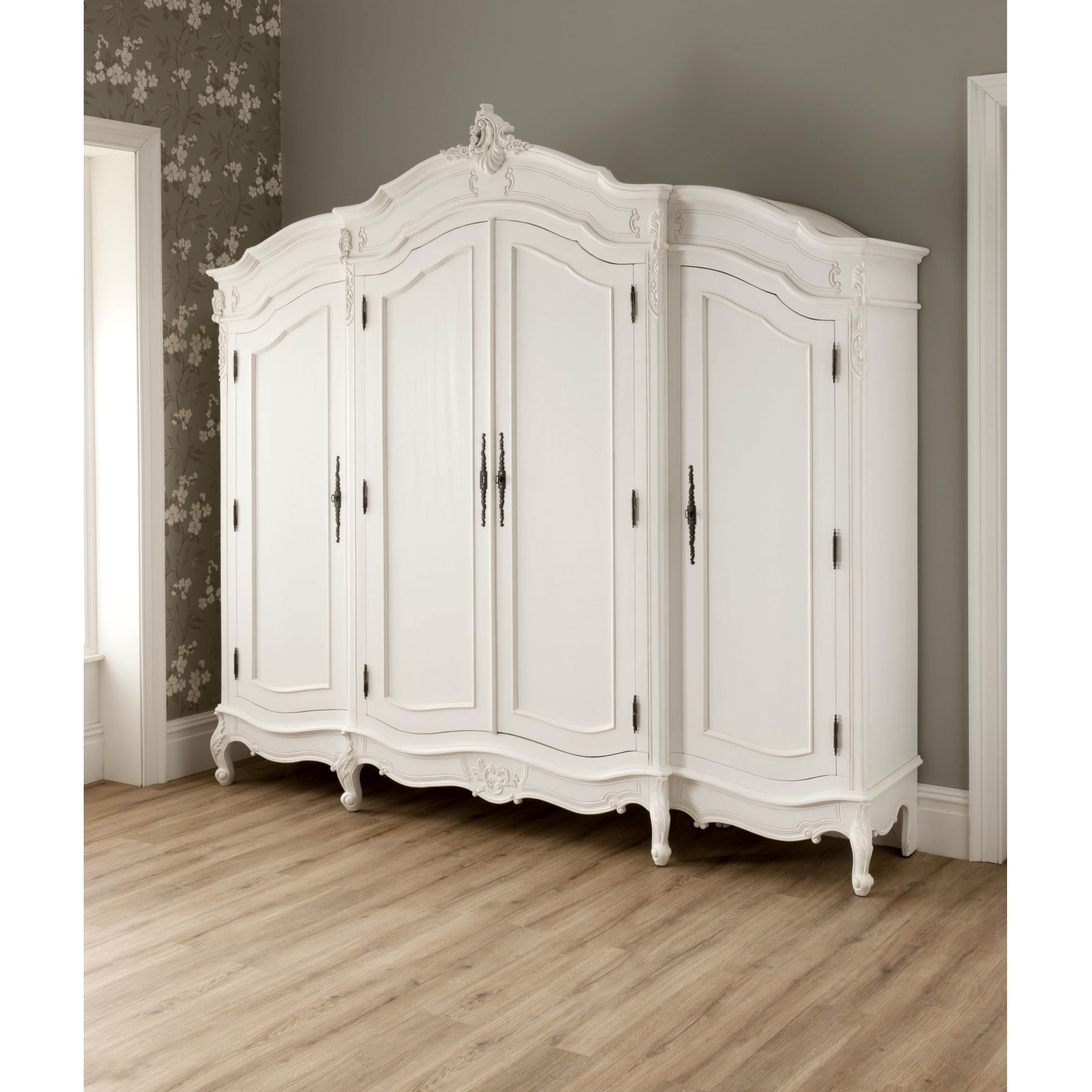vintage looking bedroom furniture. La Rochelle Antique French Style Wardrobe Vintage Looking Bedroom Furniture