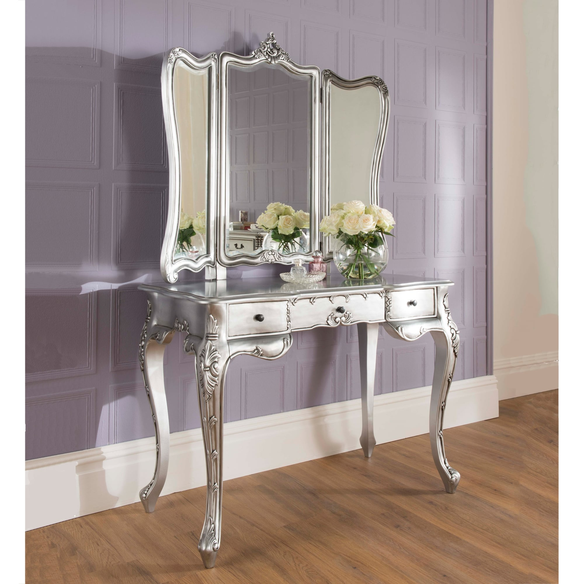 La rochelle silver antique french dressing table works well alongside our shabby chic furniture - La table basque la rochelle ...