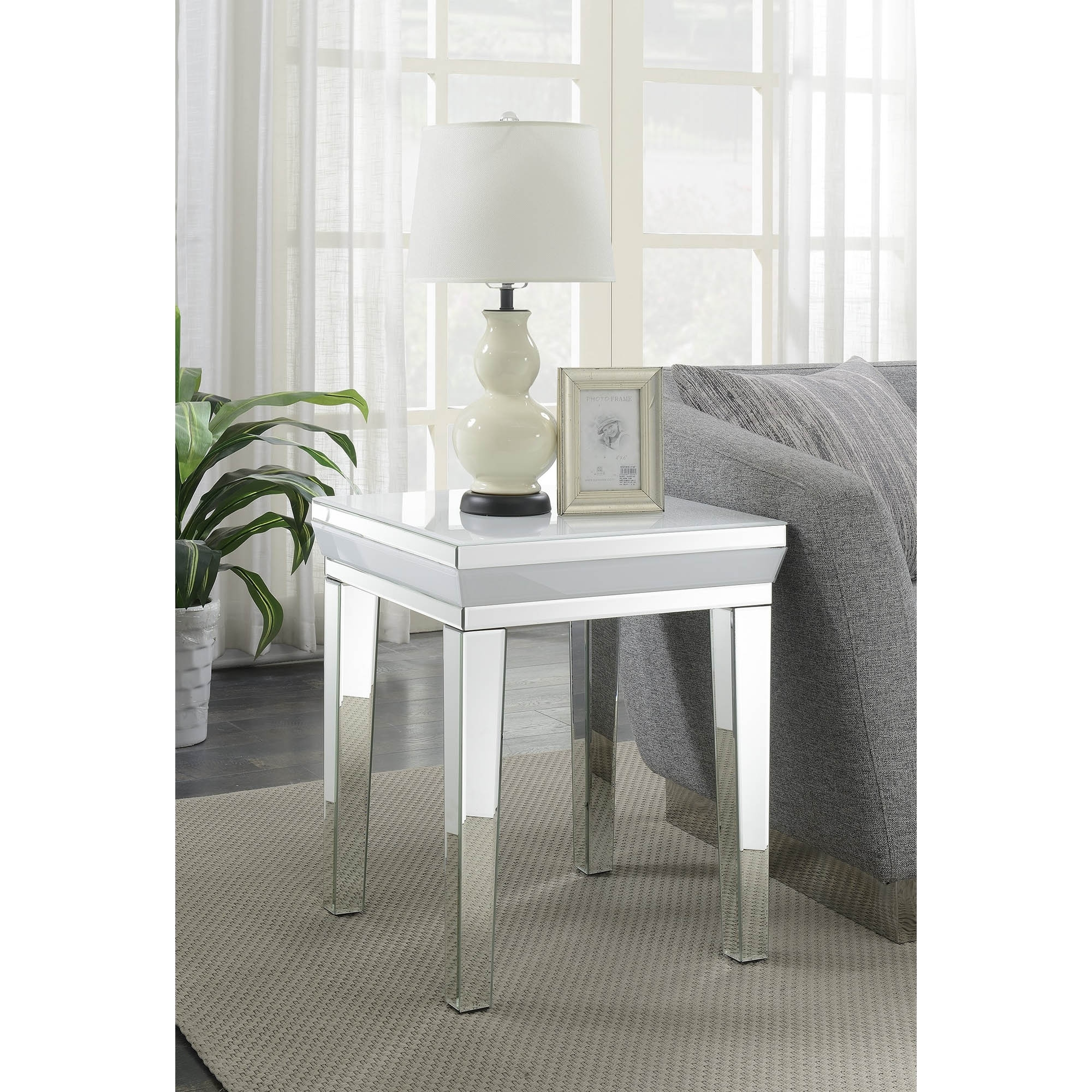 Picture of: Malibu Mirrored Side Table Side Table Homesdirect365