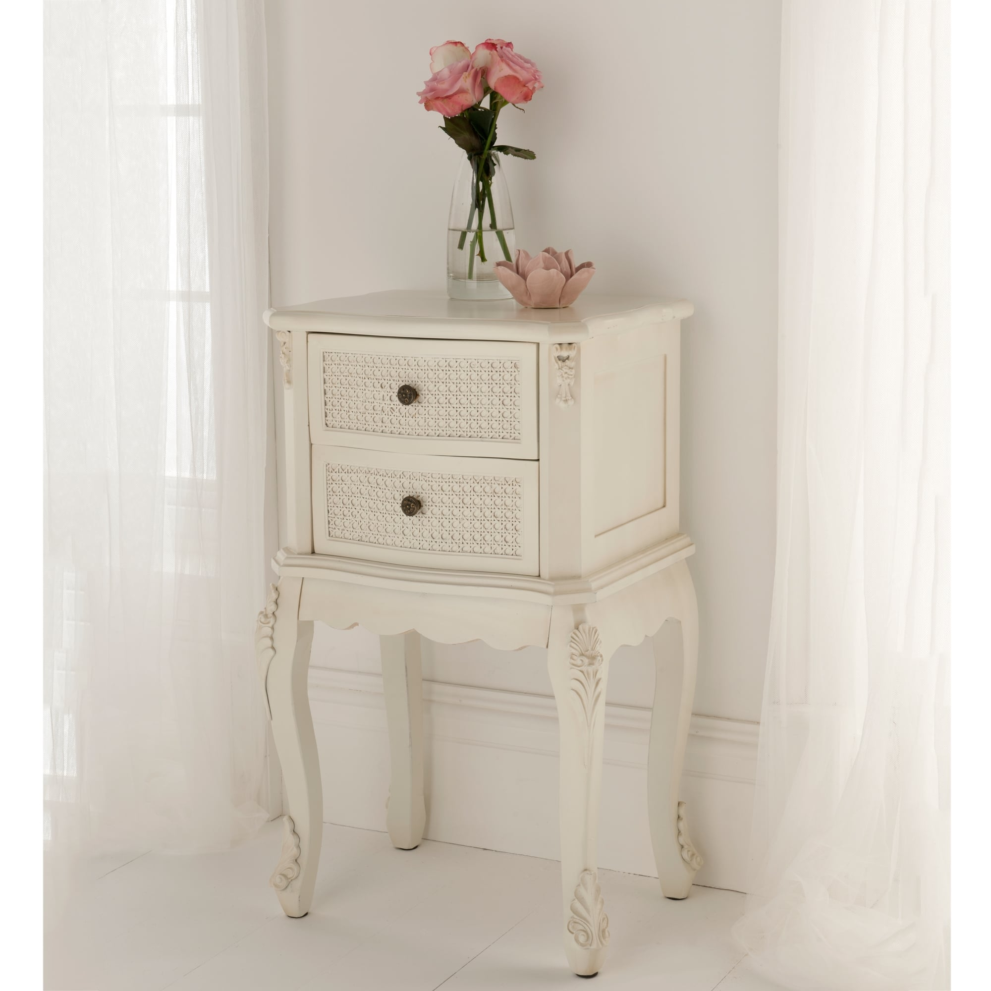 rattan shabby chic antique style bedside table shabby. Black Bedroom Furniture Sets. Home Design Ideas