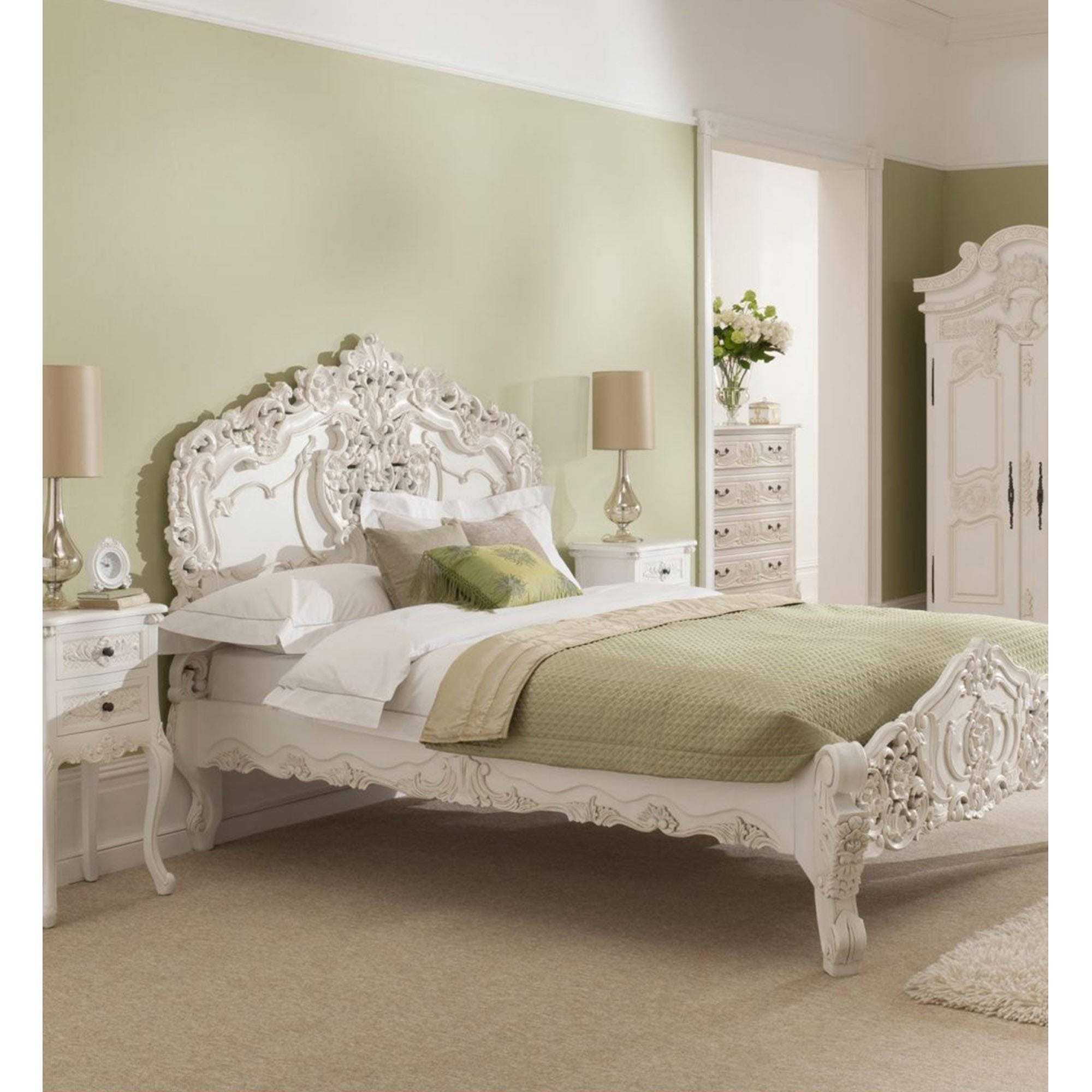 Online Bedroom: Rococo Bedroom Furniture Set