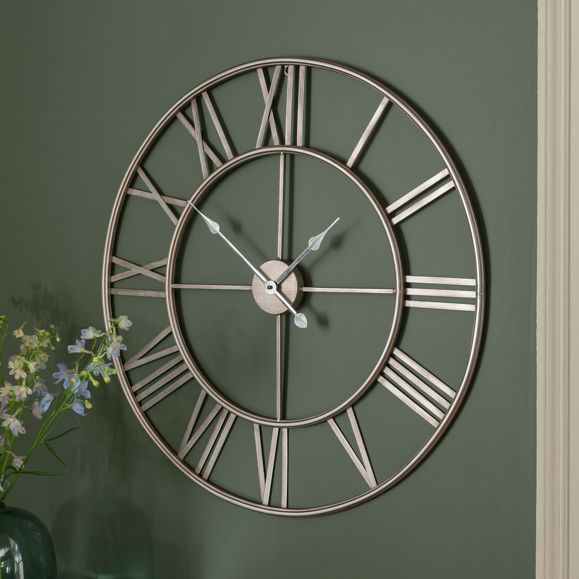 Silver Metal Frame Round Clock Clock Homesdirect365