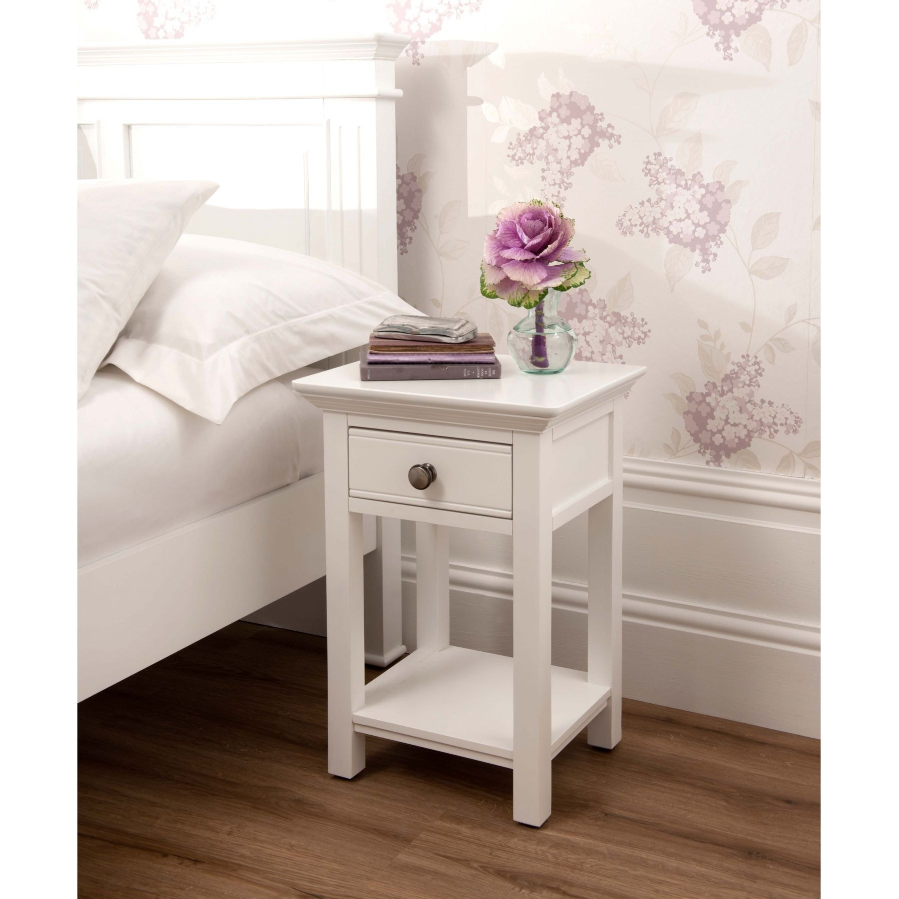 Sophia open shabby chic bedside table works well alongside for Tableaux shabby chic