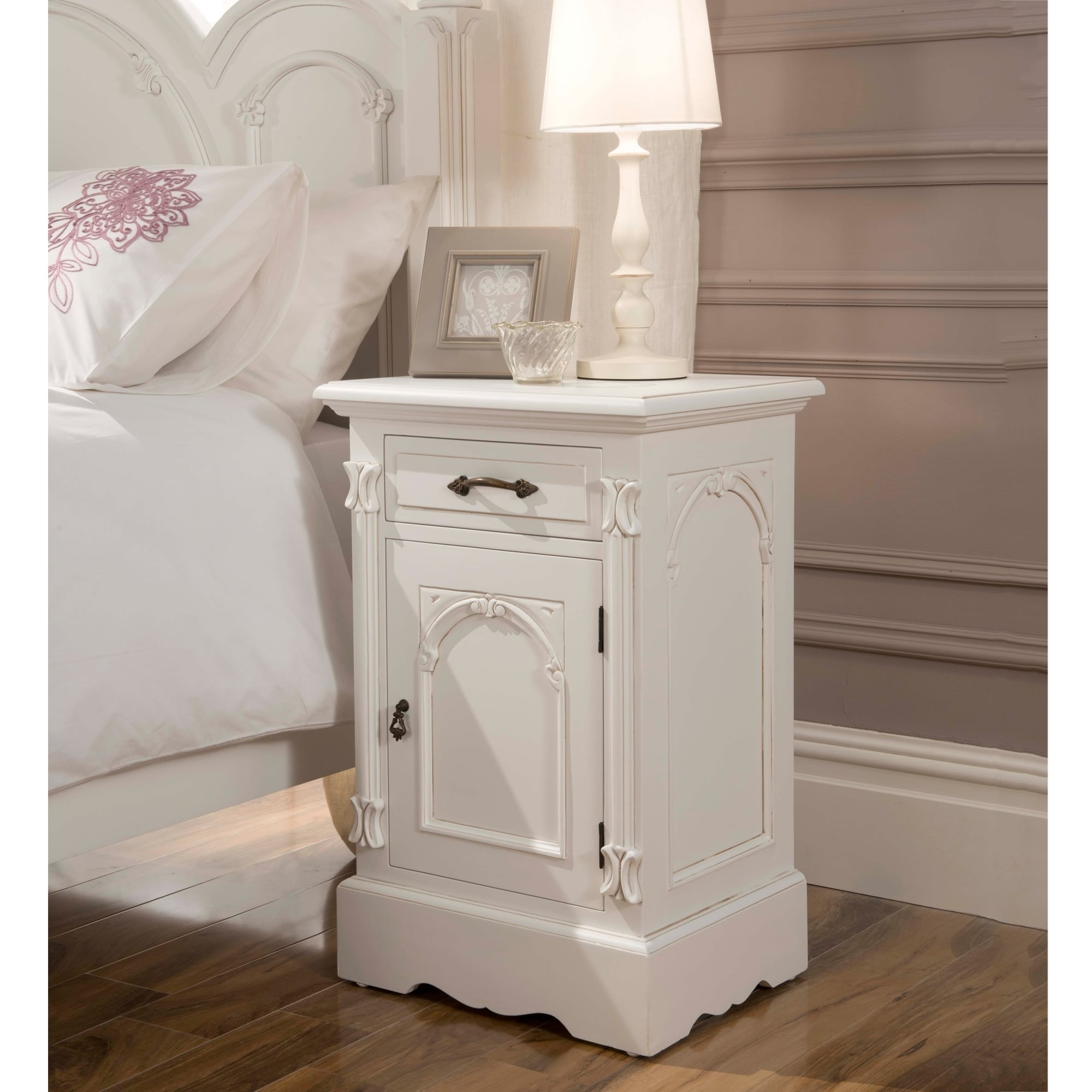 Picture of: Victorian Antique French Bedside French Furniture From Homesdirect 365 Uk