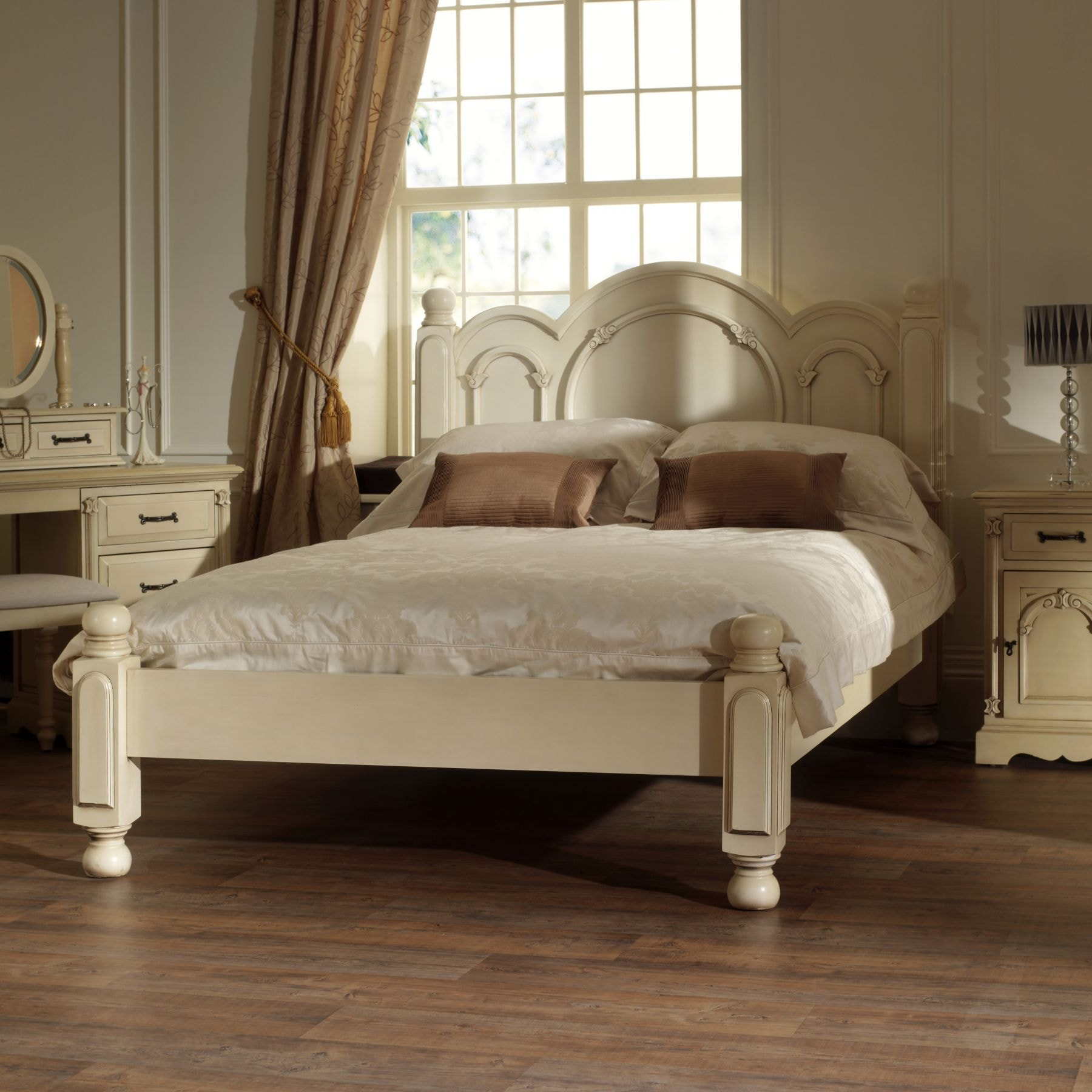 Wonderful Victorian Antique French Style Bed