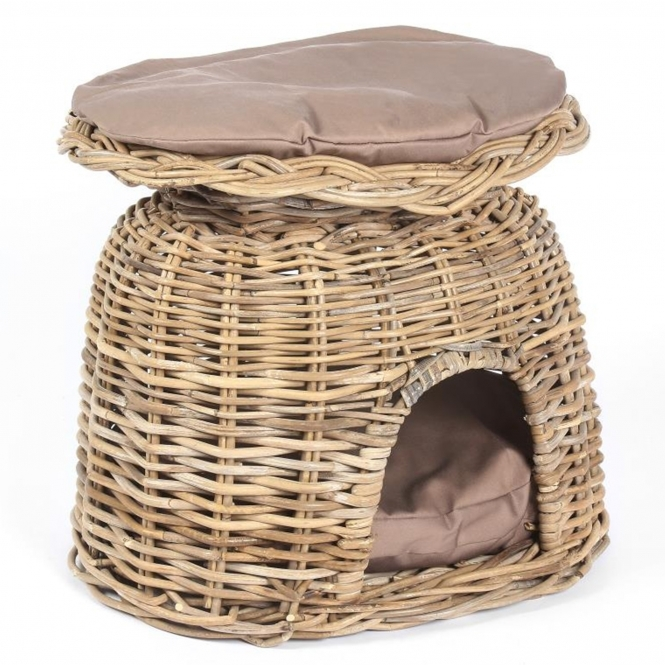 Wicker Merchant Pet House